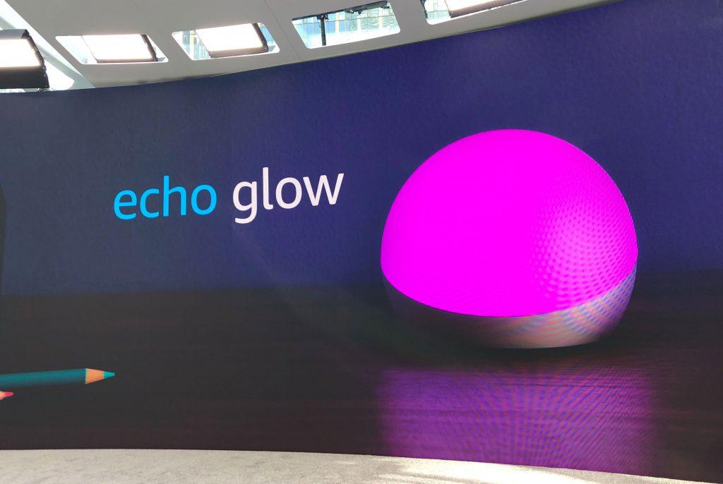 Echo Glow - Lámpara inteligente de multitud de colores de Amazon con Alexa